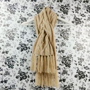 Banana Republic 100% cashmere fringed scarf
